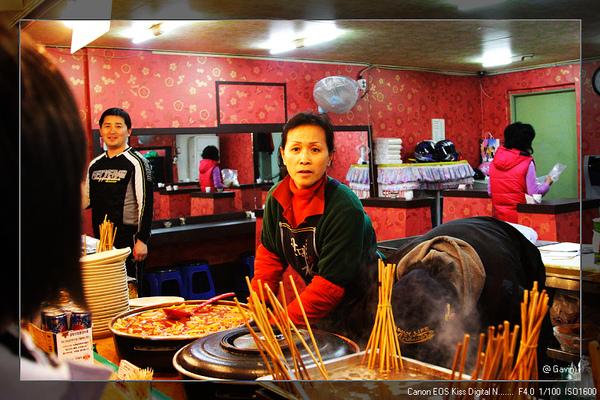 會講中文的大媽....她們家的東西都很好吃...