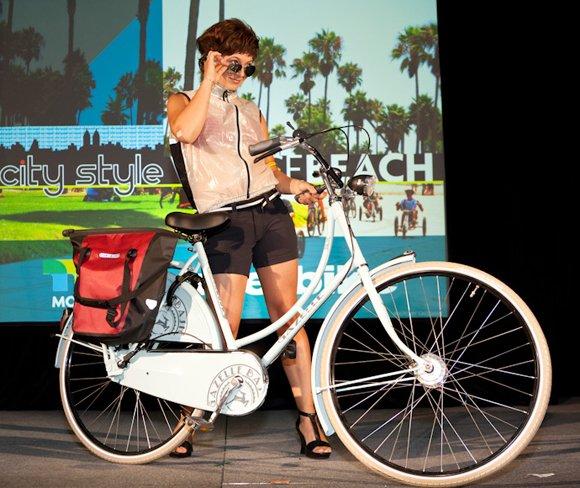 Venice Beach - To the Beach (Alexis) Shower's Pass vest, Chrome Booty Shorts, Ortlieb Bike Shopper pannier, Gazelle Basic.jpg
