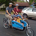 family-on-bikes_gazelle