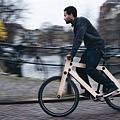 Sandwichbikes荷蘭三明治木頭自行車_阿姆斯特丹情境圖.jpg