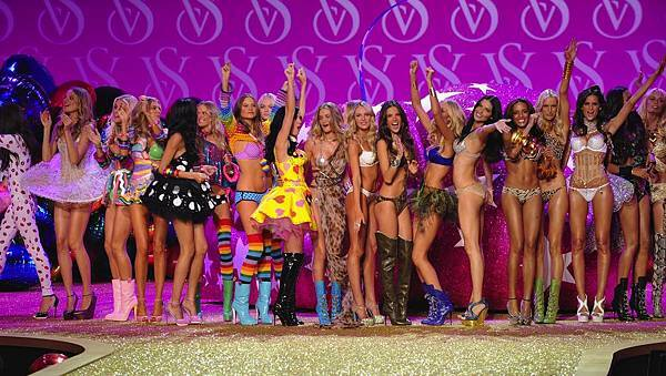 Victoria's Secret Fashion Show 2011_00.1.jpg