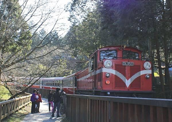 日出小火車