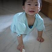 假笑-2.JPG
