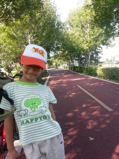 林木蓊鬱的鐵馬道