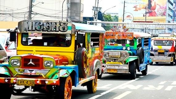 jeepney_20121027_grandjeepneyparade.jpg