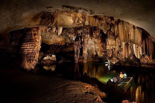 puerto-princesa-underground-river-philippines-woe5-690x461.jpg