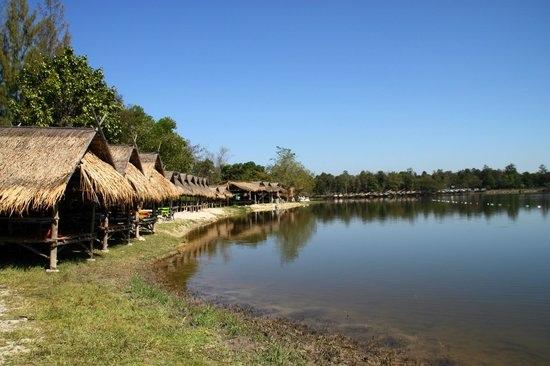 huay-tung-tao-lake.jpg