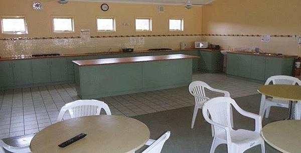 camp_kitchen2.jpg