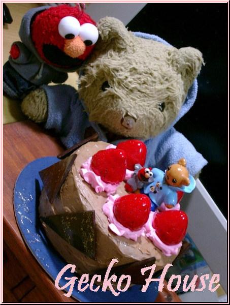 草莓熊蛋糕(製作日期:96/05/11)