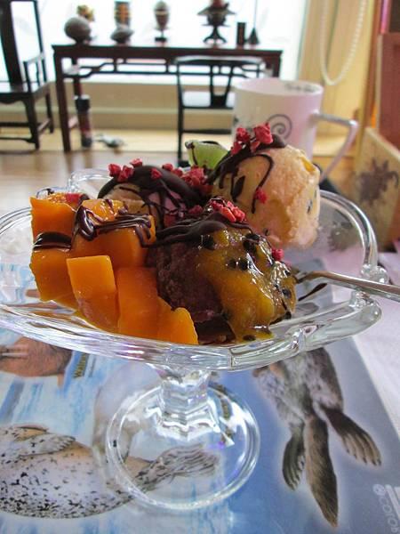 芒果百香果巧克力聖代