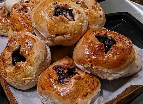 黑米蓮子養生麵包