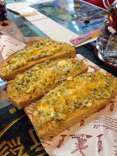 大蒜乳酪麵包