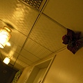 另一層樓走廊天花板