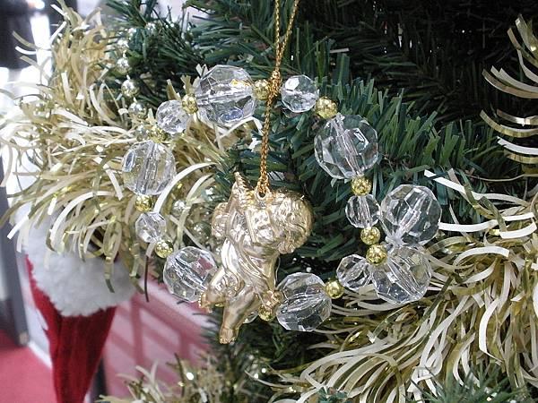 吉田聖誕樹上裝飾