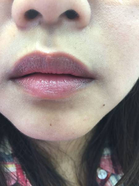 MAYBELLINE 媚比琳的好氣色CC輕唇膏櫃前試色體驗! 彩妝品分享