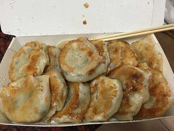 雲林麥寮 麥寮夜市內的好吃煎餃!尚好美食 煎餃、鍋貼專賣店 飲食集錦