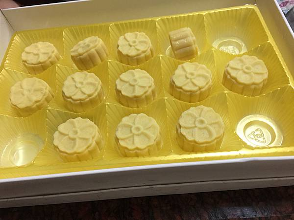 食記分享~手信坊 甜點 五月的雪 桐花綠豆糕 飲食集錦