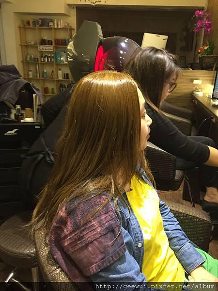 髮廊體驗 台北西門商圈Color Park專業染燙護沙龍 彩妝品分享