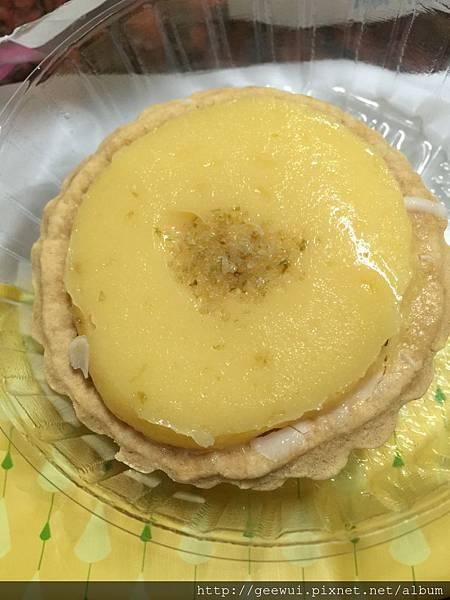 食記分享~終於買到全家便利商店的法式檸檬塔了!!! 飲食集錦
