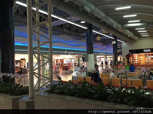高雄小港國際機場的登機環境設施及造景~ 攝影