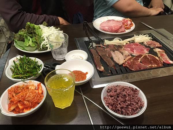 南韓釜山西面站的烤肉吃到飽self bar 實吃心得~讓我生火想買烤肉盤的烤肉店! 飲食集錦