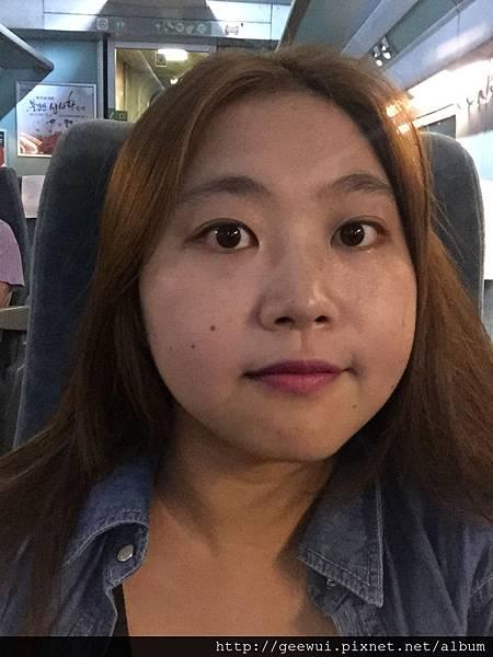 韓國彩妝分享~專櫃試色~超美的粉莓紫唇色,Inisfree 星燦光絲滑唇膏07 、Inisfree氣墊cc款的n13跟c13 、iope的氣墊cc款n13、c13 彩妝品分享