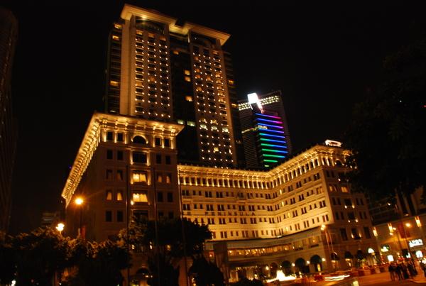夜晚的半島酒店