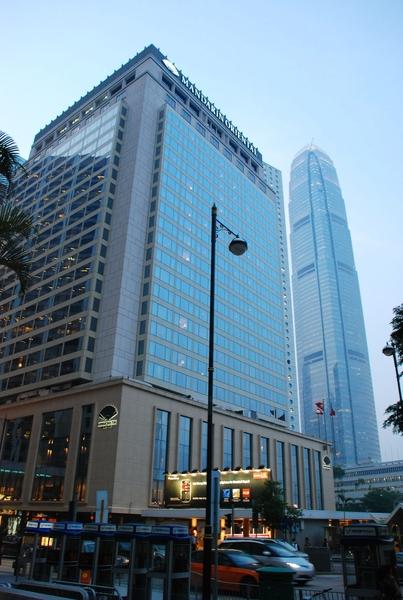 都是現代感的高樓大廈