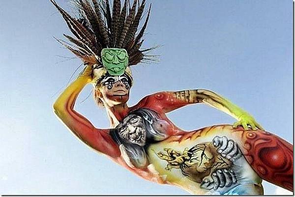 媲美萬聖節鬼妝的人體藝術-7