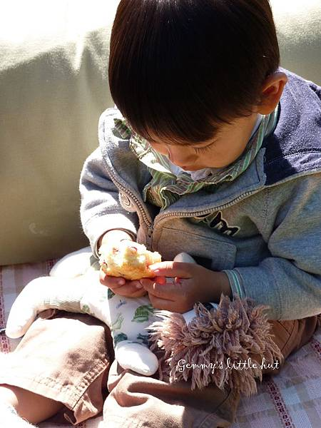 Joshua eats cranberry scones1.jpg