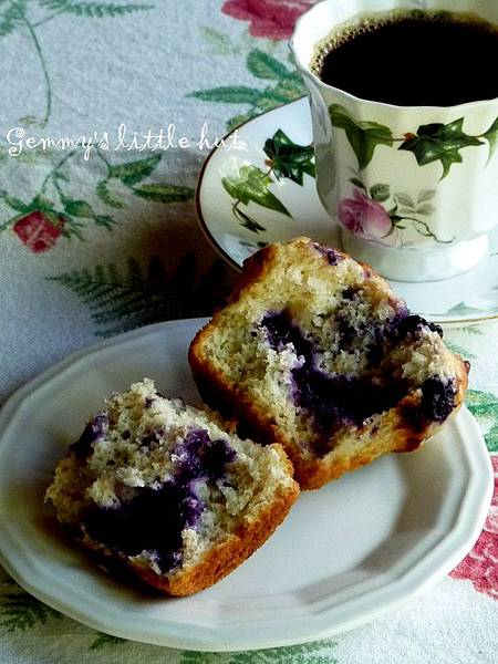 blue berry muffin 196.JPG