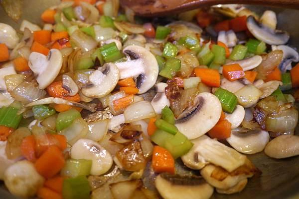 chicken pot pie 086