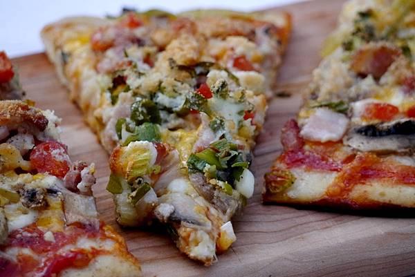 mushroom & bacon pizza 048