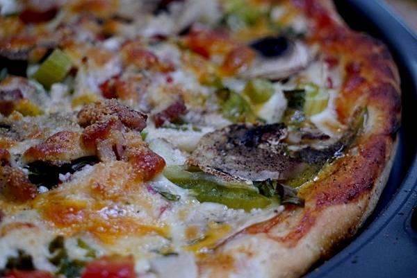 mushroom & bacon pizza 010