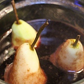 wine poached pear 261
