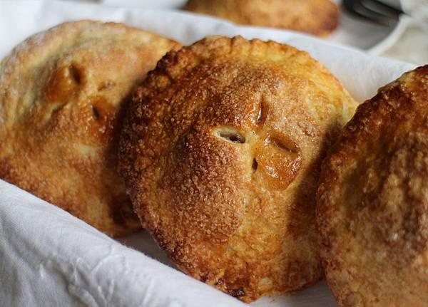 mini apple pies 047