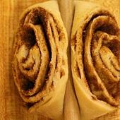 Cinnamon Rolls 070