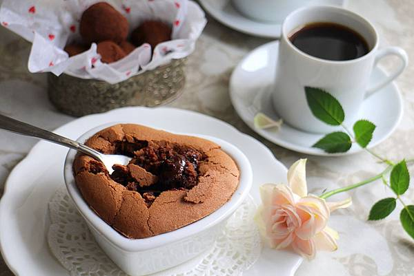 lava chocolate cake 090