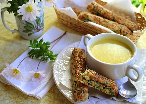 玉米濃湯 菠菜乳酪司康 111