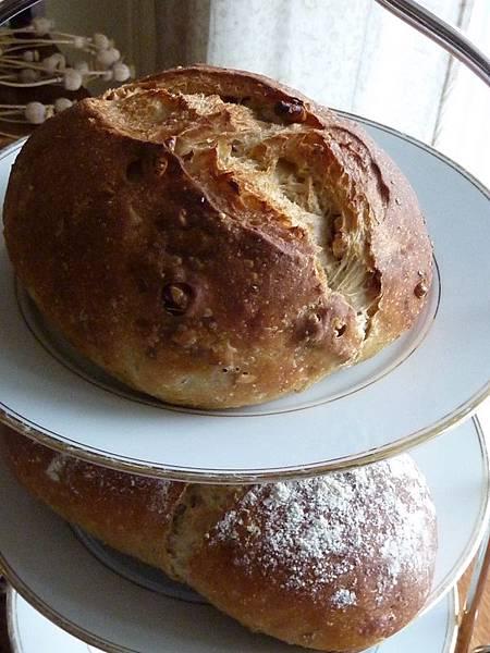黑麥核桃雜糧麵包.jpg