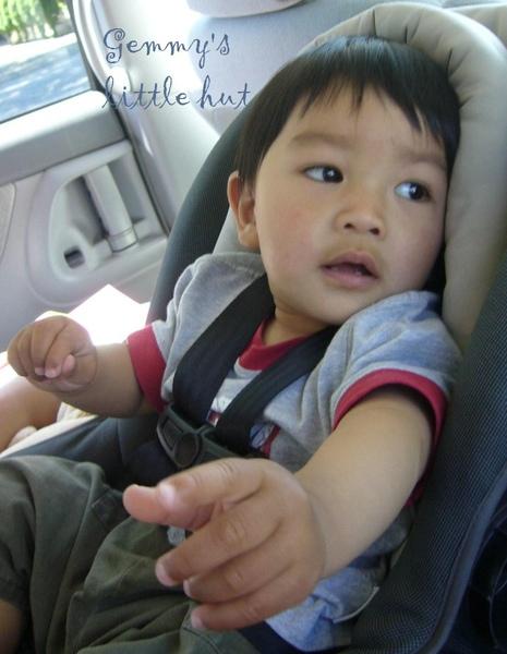 寶寶聽音樂表情4.jpg