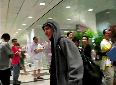singapore-airport-david-arrival1.jpg