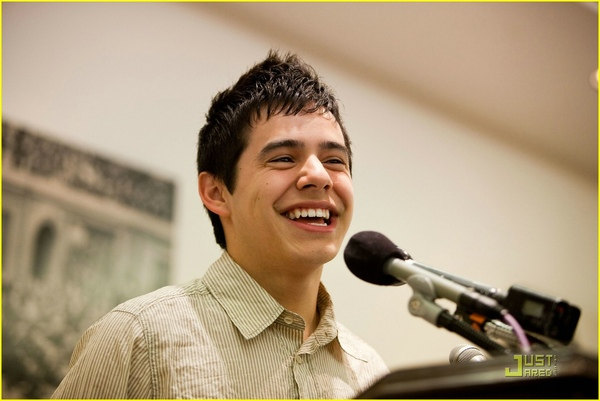 david-archuleta-childre-uniting-nations-05.jpg