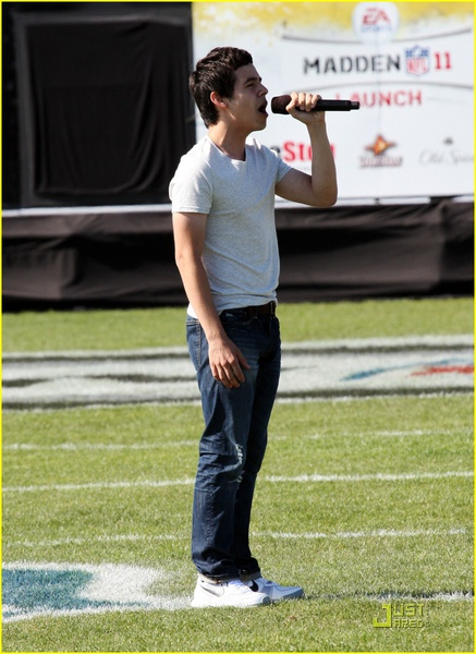 david-archuleta-pigskin-proam-03.jpg
