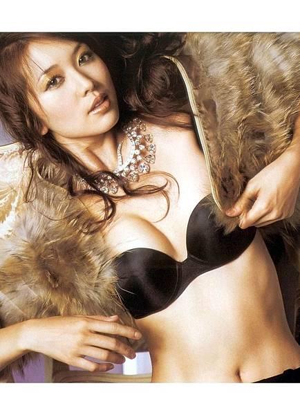 林志玲--Maxim拍的最惹照片2 2.jpg