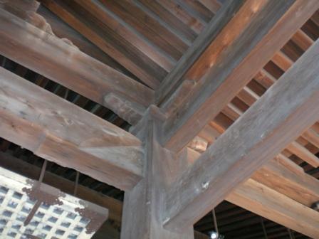 廊柱的建築法很巧妙