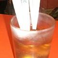茶是用來洗餐具的,不是拿來喝的