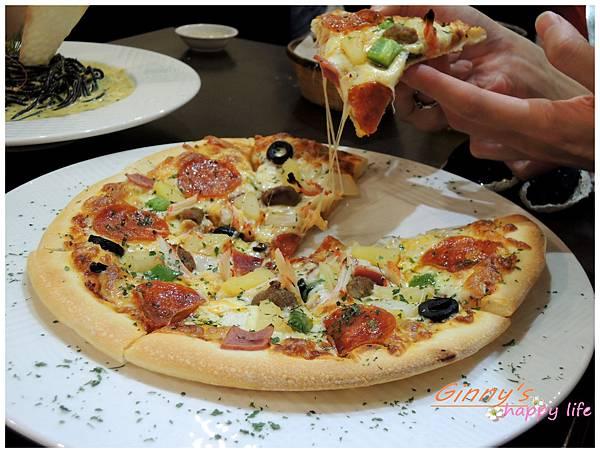 牽絲的總匯Pizza