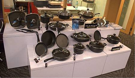 SCANPAN品牌不沾鍋陳列在丹麥商務辦事處-我的丹麥禮物聖誕市集