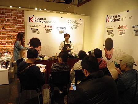 均岱鍋具料理教室(內湖HOLA)媽媽聰明料理術開課囉李淑芳老師教大家做菜s